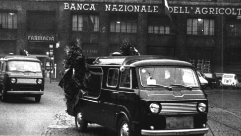 L'Italia del 12 dicembre: una bomba nel cuore