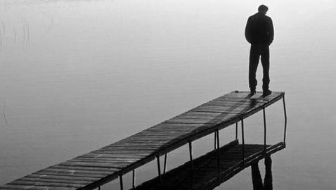 Il suicidio come allarme sociale. Con intervista esclusiva al prof. Francesco Bruno