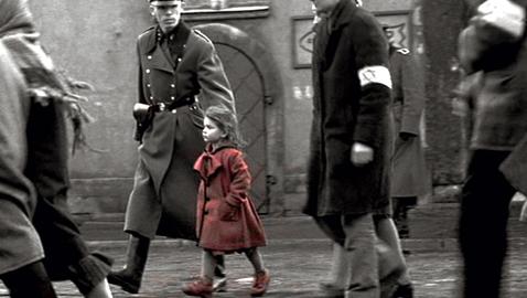 """Chi è quella bambina sul set? I retroscena a vent'anni da """"Schindler's list"""""""