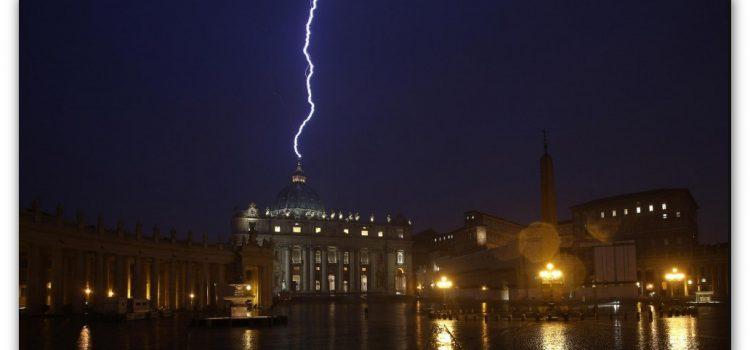 Il Vaticano lancia l'allarme stupri sulle migranti: reati di serie A e serie B?